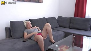 Horny Mature Slut Playing On Her Couch - MatureNL