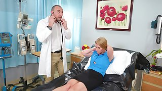 Doctor pleases mature woman with the big dick in her cunt