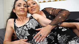 Two Naughty Lesbian Housewives Getting Wet And Wild - MatureNL