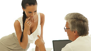 OLD4K. Old boss nails black-haired secretary pertinent on..