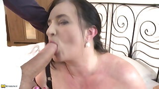 Mature BBW mother fucks young lucky sprog