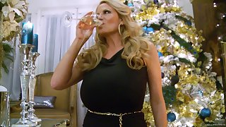 Festive copulation session with hot blonde chick Kelly Madison