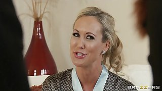 Brazzers - Blond MILF Brandi Love is massaged with an increment of fucked