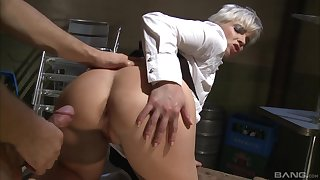 Short haired blonde waitress Katy Adorable gets her asshole fucked